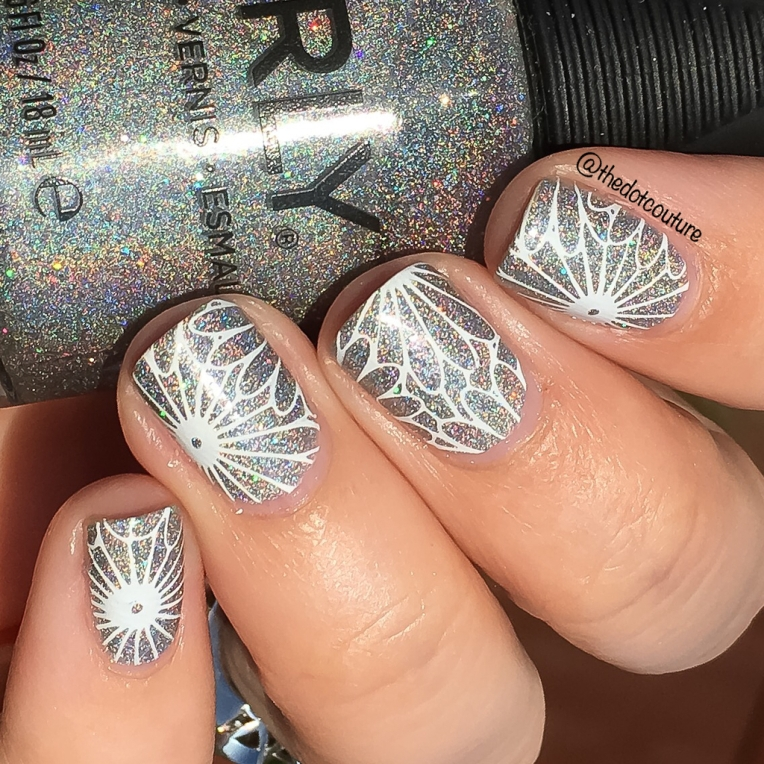 thedotcouture holographic daisies